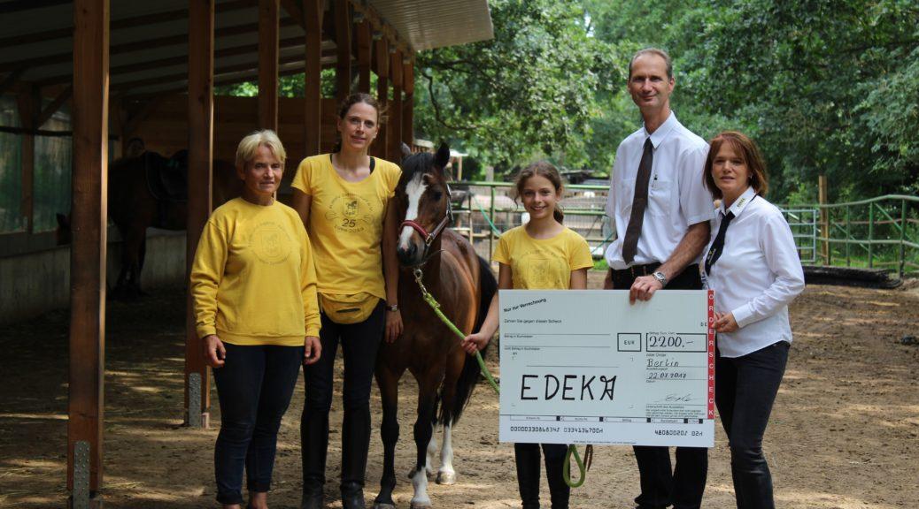 Pfandspende von Edeka ERler für den KJRFV Zehlendorf